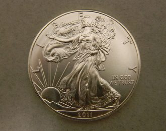 Uncirculated 2011 1oz .999 Silver American Eagle