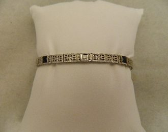 14k White Gold Vintage Sapphire & Diamond .10CT TW 7″ 4.78mm Bracelet